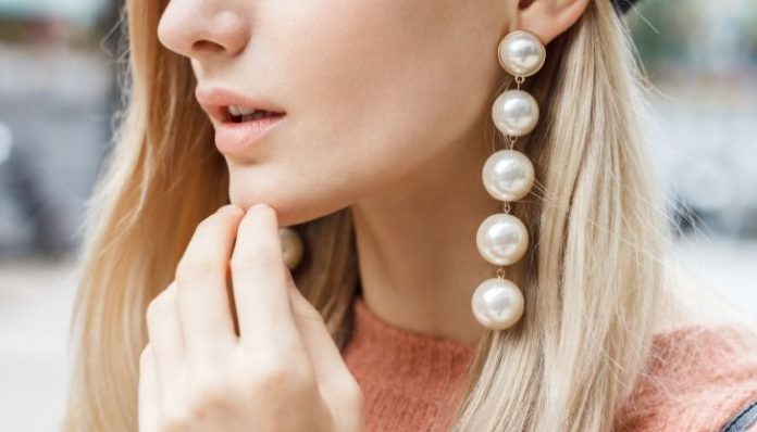 Fun Accessories To Improve Your Basic Outfit