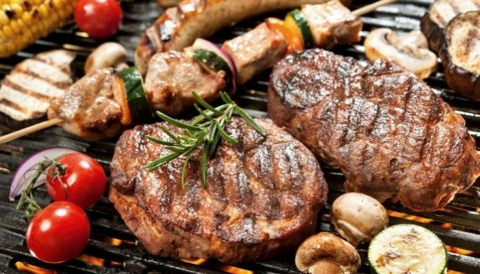 4 Tips to Host the Perfect Summer BBQ