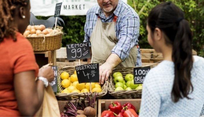6 Essential Farmers Market Tips for Newbies