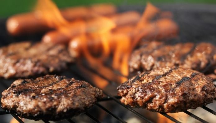 Tips for Barbecuing at Your Tailgate Party